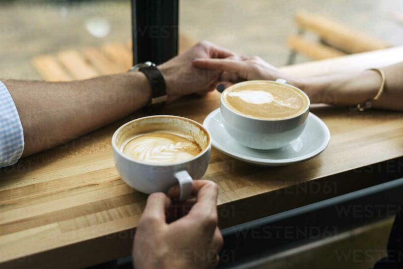 migliori frasi per invitare una ragazza a prendere un caffè