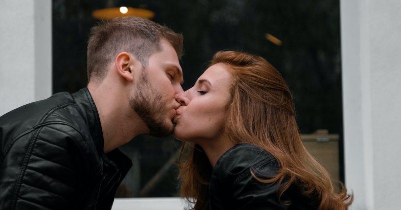 bacio al primo appuntamento